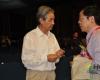 卫生部统计信息中心主任、中国卫生信息学会副会长孟群与学会会长王陇德院士做会后交流